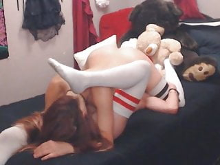 Horny babes having a great...