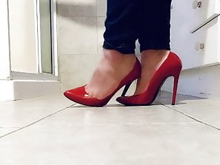 playing in her red stilettos HD Sex Videos
