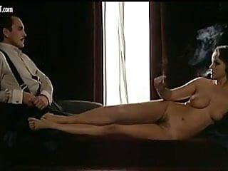 Compilazione di nudo di Laura Antonelli