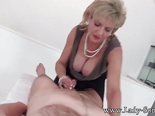 Milf lady sonia with first timer massage table...