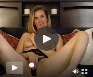 Wild Blonde Hottie with Sexy Curves Fucks Herself