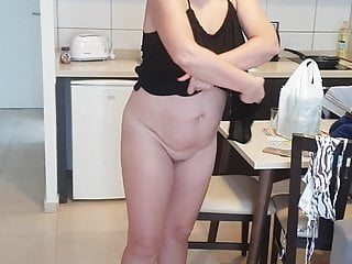 Gf strips naked and shows everything...