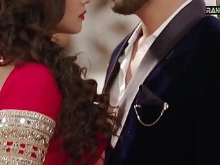 Adaa khan hotty saree scene