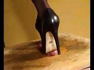 Heels High Schwanz Trample Trample Heel