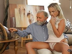 Old4k. Fetching Lassie Shanie Ryan Gets Old Strap De Mouth