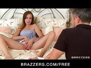Brazzers HOT teen Victoria Rae Black scopa un grosso cazzo