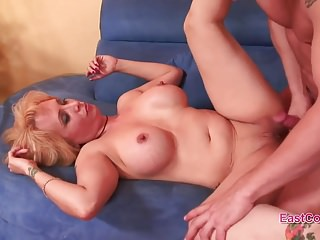 Sophia Mounds Cornea casalinga Creampie video completo