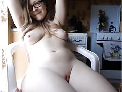Beautiful Teen Shaved Labia Impressive Strong Squirt!