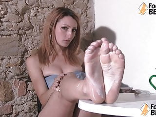 with yogurt cream Redhead wets feet her