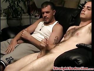 Cute butt pirate shows and starts wanking...