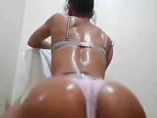 Extreme latina booty...