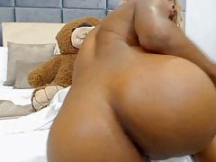 Athletic Canbel Rosy giving orgasms you'll never forget