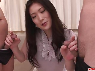 與Naomi Sugawara最高評價的三人亞洲口交