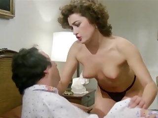 Lory Del Santo Lonorevole con lamante sotto il letto