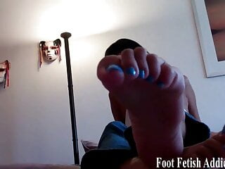 You are a total foot freak, aren't you?