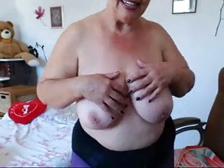 Granny playing webcam amateur...