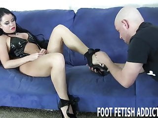 the real of life I a goddess feet have