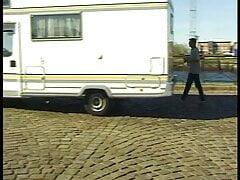 Schon praktisch so ein Wohnmobil, schneller Fick am Hafen