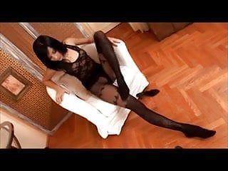 Erotic book of stockings garters and pantyhose - Anita Pearl