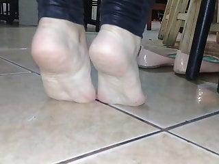 Beautiful venezuelanfucked with whitesoles soles in her work...
