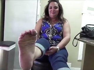 Bbw amateur ticklish feet...