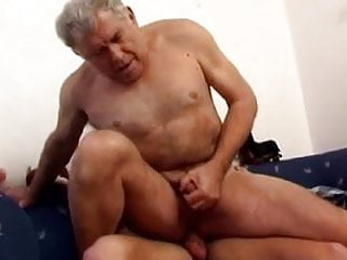 Mature dad with younger fuck on couch...