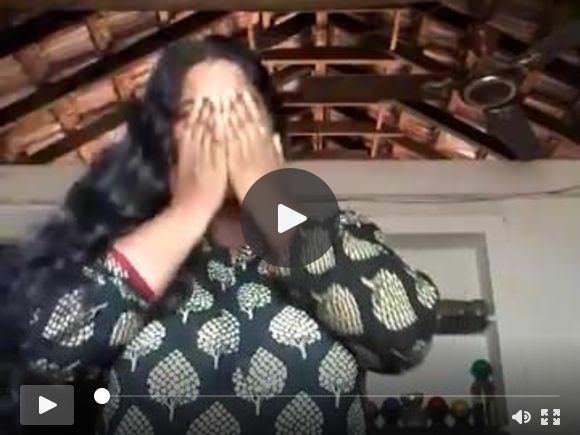 रसदार स्तन दिखा गर्म mallu चाची अलग करना