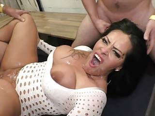 Ashley enjoys gangbang-party Cumstar