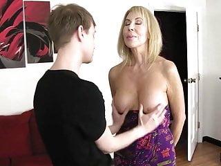 Všetky porno videá sú zaradené do porno kategórií, preto si ich môžete vybrať podľa Vašej obľúbenej kategórie ako análny sex, mladé kočky alebo veľké prsia.