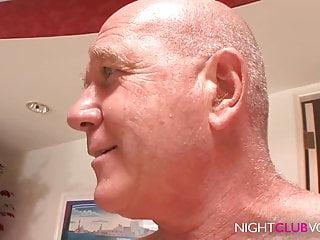 NIGHTCLUBVOD - WTF Stiefvater fickt seine notgeile Tochter