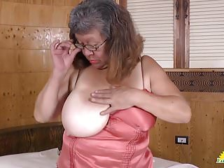 Latinchili fat bbw chubby brenda toy masturbation...