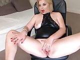 Very sexy mom