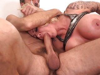Hot banging...