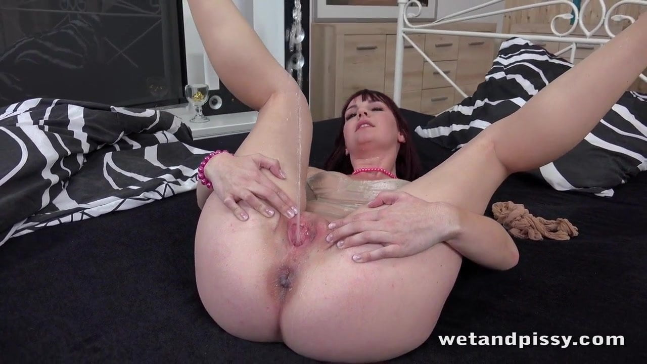 Pisi pornó videó dögös tinivel