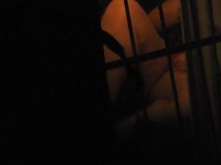 vizinha de perna aberta com janela aberta 7