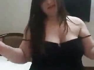 chubby iraqi bitch dancing nude