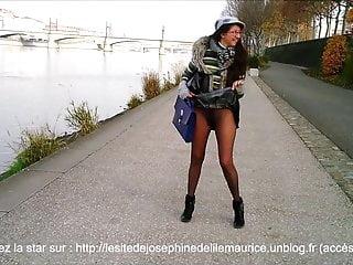 Josephine Nue Sous Ses Collants