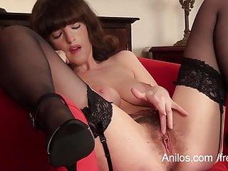 Primo video orgasmo per milf figa pelosa