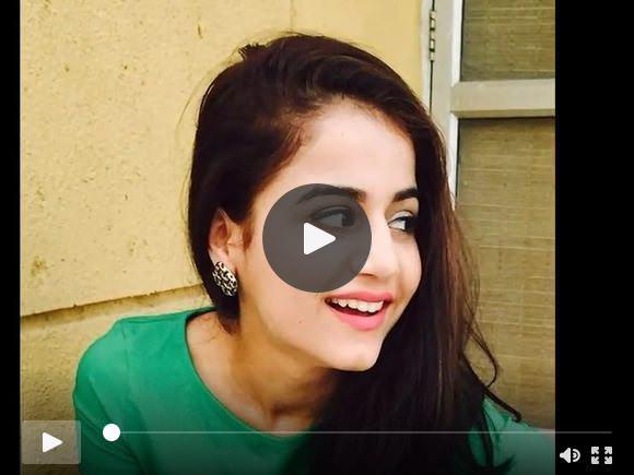 सुंदर भारतीय लड़की