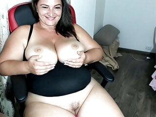 huge tit sexy milf