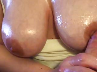 Jugs,oil,cum! Superior older woman Handjob+Titfuck