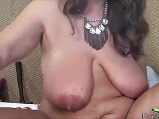 Dirty talking pleasure goddess masturbates huge clit...