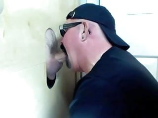 Gloryhole married cum to feed kruppe...