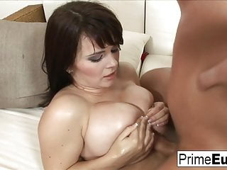 busty brunette kristi klenot gets fucked on the couchHD Sex Videos
