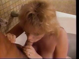 Man fucks mature blonde woman in bathtub...