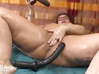 Oiling squirting n anal prolapse...