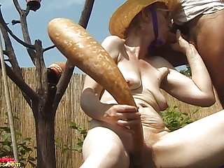 years old outdoor 84 mom fucked