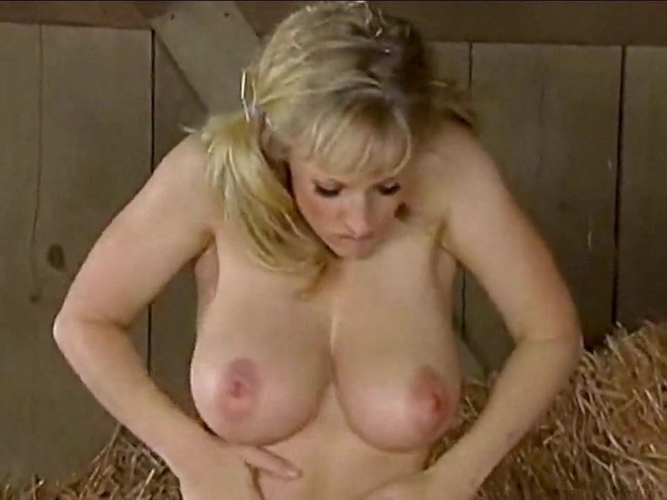 Amateur Blonde Pawg Riding