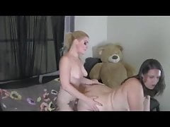 Big Bootie Mature Is Getting Screwed Doggy