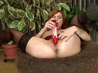 Super hot mamma matura ha bisogno di una buona scopata